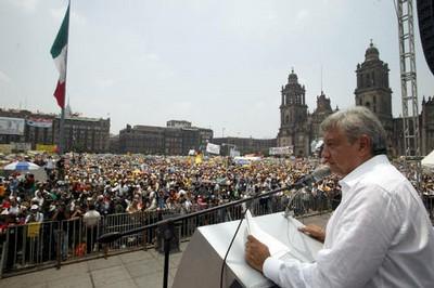 Pide AMLO al FAP no aprobar la reforma fiscal de Calderón