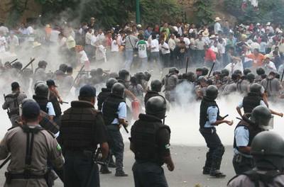 Regresa la represión al pueblo de Oaxaca, hoy lunes 16 de julio, 07